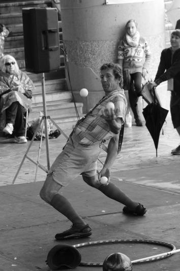 juggler-888901_1280