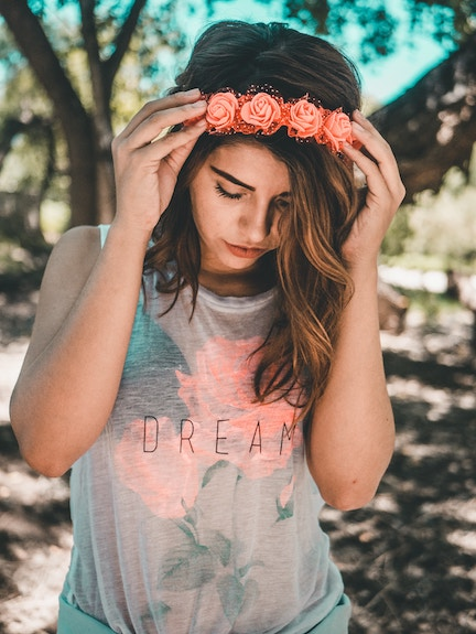 girl with rose crown
