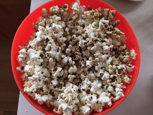 popcorn seasoned with za'atar