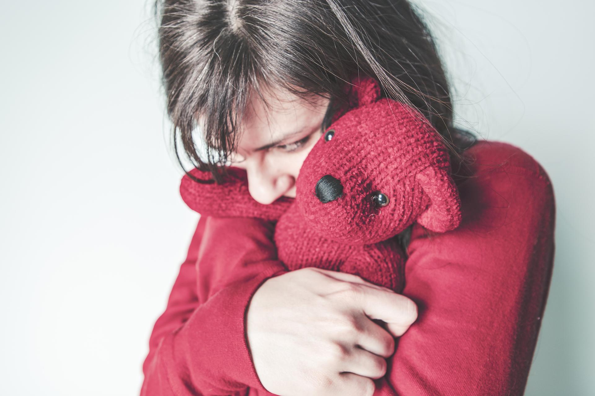 girl hugging bear gratisography-401H